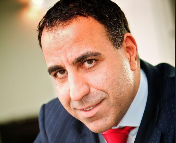 Portrait Dr. Parsis Dastani